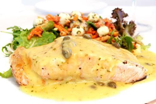 Ryba gotowana w sosie jarzynowym