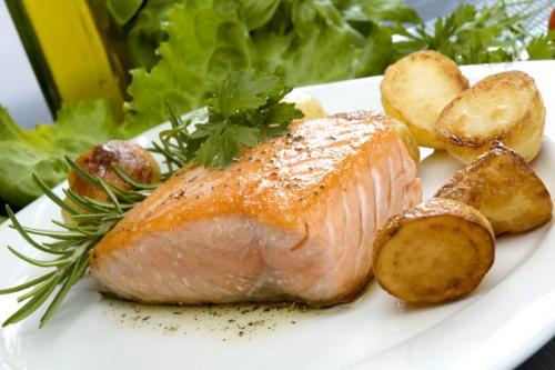 Ryba pieczona z ziemniakami