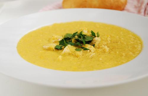 zupa krem z kukurydzy, mlekiem kokosowym, imbirem, kurkumą